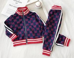 Neue Jungen und Mädchen Briefe Hoodies Mode casual Hemd Sportanzug Frühlingsprinzessin Kleid / Baumwolle T-Shirt Kurzarm-Shirt