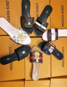8 Fotoğraf Geniş Düz Kaygan ile Kalın Sandalet Terlik Flo çevirin Benzer 44 Erkekler Kadınlar Sandalet Tasarımcı Ayakkabı Lüks Slayt Yaz moda bul