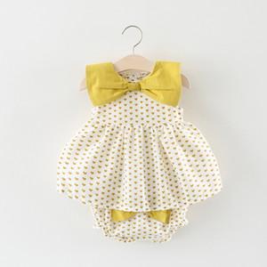 New Summer Neonata Neonati Vestiti Set Bambini Senza maniche Cuori Punti Bowknot Top + Pantaloncini in PP Ragazza 2 pezzi Abiti Suit Suit 14773