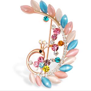 High end European and American style new creative design brooch pins wholesale custom rhinestone brooch women brooch