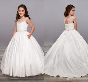 Beyaz Balo Çiçek Kız Elbise Düğün Mücevher Backless Kısa Kollu Kanat Boncuk ilk komünyonu Elbise Çocuk Doğum Günü Partisi Gowns65 İçin