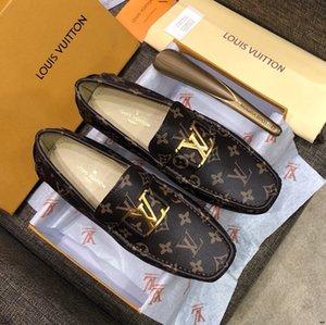 Düz Sürüş Casual Ayakkabı On 19ss Erkekler Kürk Loafers Deri Moccasin Timsahlar Stil Ayakkabı Moda Kayma 38-46 Erkek Klasik Plush