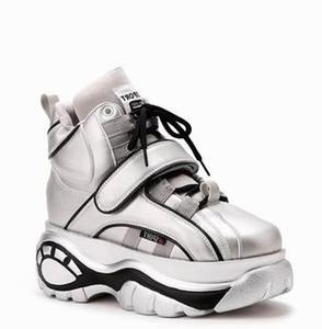 2019 nouveau Pré-soldes Blanc Chaussures Femmes Marque Plate-forme Sneakers Lady Augmenter chaussure HookLoop Chaussures de foot Femme Qualité