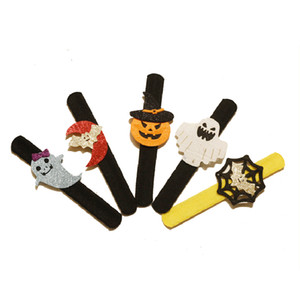 Halloween Slap Snap Bracelet Slap Bracelet Bat Pumpkin Ghost Shape Plush Clap Pat Hand Circle Halloween Party Decoration Prop VT0693