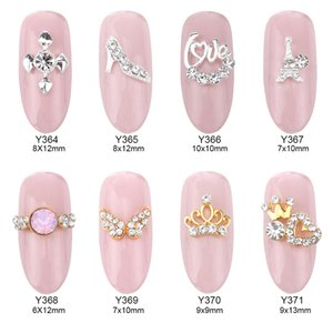 50pcs 3D Nail Art Fournitures Décorations Or Couronne Strass Nail Design alliage Strass Charmes Nail accessoires