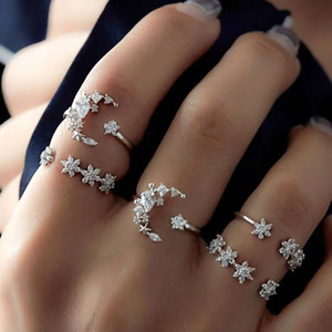 Los anillos abiertos de la flor de la luna de la estrella cristalina bohemia de 5PCS fijaron la joyería para las muchachas