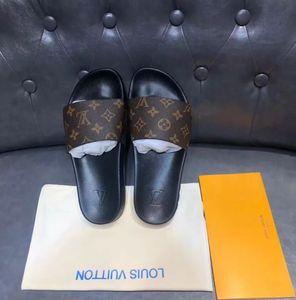 Nuovo colore di Parigi di lusso Sliders delle donne degli uomini Estate Sandali Beach scorrere pantofole signore Infradito Mocassini Blue Sky Chaussures