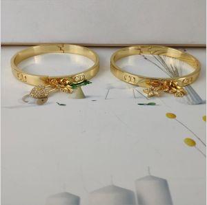 2020D home / Dejia Herbst / Winter neue Mode Persönlichkeit Set Diamant Herz Armband Stern-Set Diamant-Armband Messingmaterial