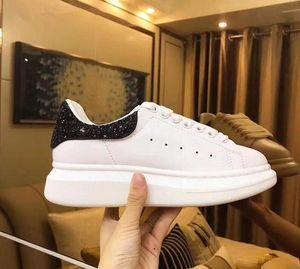 Hot Sale-rts Scarpe piattaforma scarpa da tennis pattini casuali piani Lady Nero Oro Rosa Running Tennis Comfort