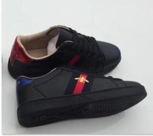 Accueil Chaussures Accessoires Chaussures Casual Détails du produit 2020 Nouvelle broderie petites Chaussures blanches pour les femmes confortables en plein air Souliers simple F