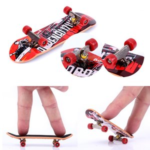Fingerboards Finger Skateboard Toy Fingertips Movement Party Favors Novelty Toys For Kids Gifts