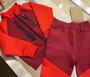 Meninos meninas Roupa Define Moda crianças Suit Sport Set 2pcs Brasão + Pants Crianças Outono Treino Crianças Sport Conjunto Suit