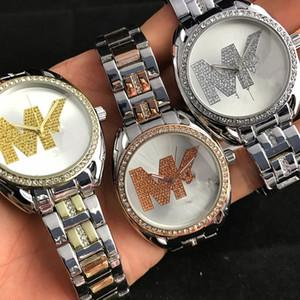 Kadınlar Moda Rhinestone Aşıklar moda kuvars saatler erkek moda izlemek göz kamaştırıcı renk electroplated yıldız mektup kadranı tasarımı lüks saatler