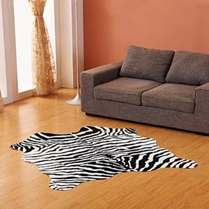 Imitazione Pelle di animale Tappeto 140 * 160cm antiscivolo mucca Zebra strisce Area tappeti e moquette Per la casa Soggiorno Camera da letto Tappetino T200111