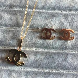 2020 Collares Pendientes de calidad superior sistemas de la joyería de titanio de acero chapado en oro de 18 quilates Pendientes Collares 3 colores collar colgante para las mujeres regalo