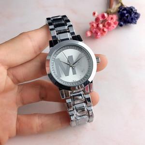 2019 Yeni Lüks Kadın Saatler Diamonds Kuvars Lady Paslanmaz Çelik Marka Saatler Rhinestone Gül Altın Saatı Saat Hediyeler
