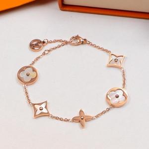Hot vente bracelet avec coquille nature unique décorez monogramme breloque 17cm bracelet pour les femmes et cadeau mère PS6271A bijoux
