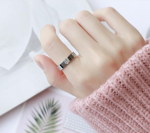 2020 Новый Boutique 316L Love Titanium Steel Nails Rings Lovers Band Rings Размер для женщин Мужчины Ювелирные Изделия с CZ Diamond Ring 4mm