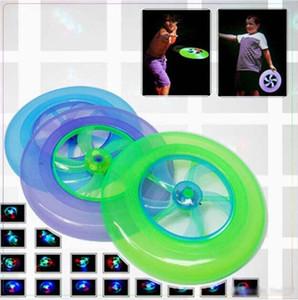 Nuevos deportes al aire libre llevó luces con la hoja del viento de parpadear disco volador Beach Plaza juguetes luminosos del disco volador plástico lanza los juguetes al por mayor