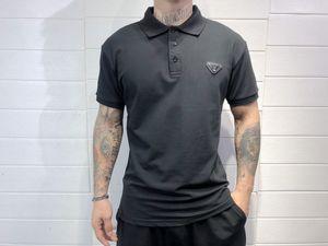 20SS мужского дизайнера поло футболка письмо печати Треугольник грудь Tee печать мужской одежды с короткими рукавом мужских рубашек теги Новой