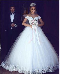 2019 Vintage Lace Appliqued A-line Wedding Dress Luxury Off Shoulder Cheap Princess Plus Size Bridal Gown BM0977
