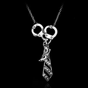 Damen-Anhänger-Halskette Charme-Halskette Handschellen-Maskerade-Masken-Krawatte Ketten-hängende Halskette Geschenke