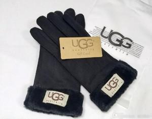 325 nuevas mujeres de invierno guantes de cuero Guantes de 4 colores de los diseñadores Luxurys UG HANDWEAR Damas ourtdoor guantes calientes del guante de mujer de marca
