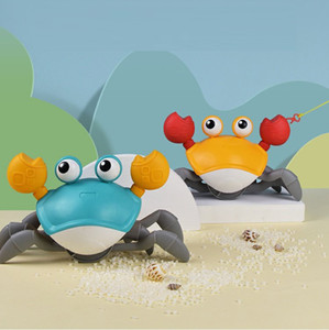 TWXXQC Wind Up Funny Crab Toys with Tow Rope Lifelike Legs Color Box Package wholesale baby interesting Promotional Land and water available