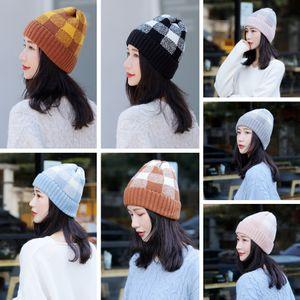 Moda Knit Hat Plaid donna inverno caldo Crochet Calotta esterna Lady controllo di sci protezioni del partito di Natale Cappelli TTA1834
