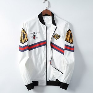 2020 Новая тенденция личности Mens конструктора куртки Side щелевая Карманный Куртка с капюшоном Мода Тигр печати Youngth ветровку