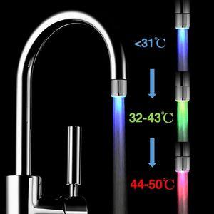 RGB 3 Farben-Wasser-Küche-Hahn-LED-Wasser-Hahn-Licht Bunte Ändern Glow-Duschkopf-Küche-Hahn Belüfter Waschtischarmaturen 2019