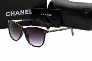2019 Gafas de sol de diseñador Gafas de sol de bisagra de metal de alta calidad Hombres Gafas Mujeres Gafas de sol Lentes UV400 Unisex con estuches originales y 2631