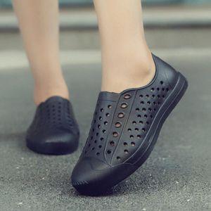 Легкие Мужчины Обувь EVA Тапочки дышащий Сандалии лето случайные плоские сандалии выдалбливают Вентилиационные обувь