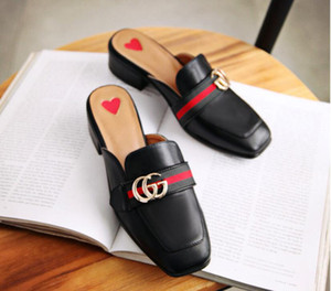 New Summer Princetown Mulheres Chinelos de Luxo Designer de Moda Mocassins De Couro Genuíno Sapatos de Metal Cadeia de Senhoras Casuais Apartamentos Mules tamanho 34-43