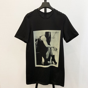 Sureme 19ss% 100 Pamuk Tees Erkekler Kadınlar RO Karanlık Stil Topuklar Erkekler Baskılı Tişörtler Büyük Boy Tops Tees Uzun Tişörtlü