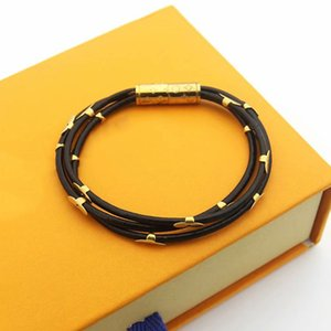 Europe America Fashion Style Lady Women Three Circles Leather Bracelet With 18k Gold Four Leaf Flower Engraved V Initials Magnetic Buckle 11
