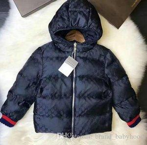 02Hot Luxo Meninos Down Jacket Brasão dos bebés com capuz Crianças Roupa Quente grossos casacos Bebés Meninas Meninos Roupas frente e verso Casacos