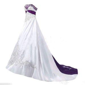 Abiti da sposa vintage bianco e viola 2019 senza spalline Lace-up in rilievo del merletto del ricamo Sweep treno corsetto plus size abito da sposa