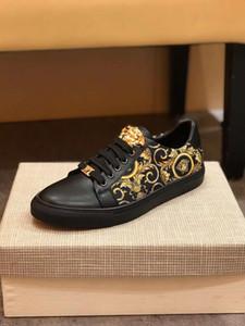 2020 Yeni ayakkabılar deri spor ayakkabı erkekler kadınlar Klasik eğitmenler piton kaplan arı Çiçek İşlemeli Horoz Aşk 38-44 HY52 sneakers