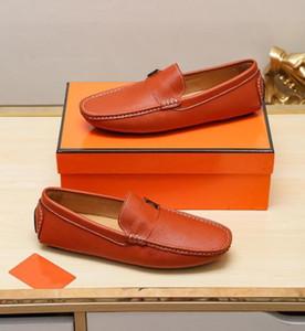 Hot 2019 neue Mens-Sommer-echtes Leder-Wildleder atmungsaktiv Mokassins Driving Schuhe Loafer Schuhe 9 Farben H15 Freie Verschiffen-Art-