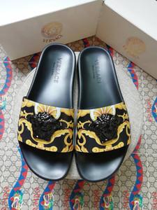 2019 terlik erkek sandalet rahat yürüyüş plaj ayakkabı terlik masaj terlik tasarımcı düz ayakkabı yaz erkek shoeBox ...