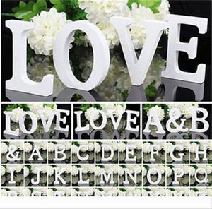 1pcs 10.5 * 10 * 1,2 centimetri Home Decor Decorazioni in legno spessore lettere bianche Alfabeto Per Matrimonio festa di compleanno puntelli vendita calda 1 2Zn Z