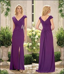 Madre púrpura de la novia vestidos de cuello en V Apliques lateral de Split volante elegante madre del novio partido de los vestidos de longitud de huésped de la boda del vestido