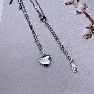 Nuovo superiore Collana Coppia Lettera modo del pendente collane 18K titanio Collana Donne placcato in acciaio per partito regalo del commercio all'ingrosso