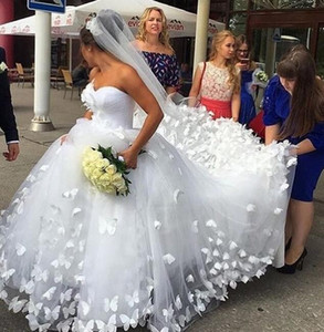 2019 increíbles apliques de mariposa 3D Court Train Princess tulle Wedding Dresses Sweetheart Dubai Arabic boho princess vestidos de novia con velo
