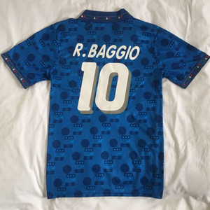 الرجعية 1994 إيطاليا Maglia Italia Maglie Star روبرت Baggio Maillot De Foot Survetement Thai Quality Soccer Jerseys A Thailand كرة القدم الفانيلة