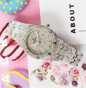2020 Business Mens diamond Watch Women Round Full diamond ring wristwatch Roman numeral hour mark iced out Watch Day Date