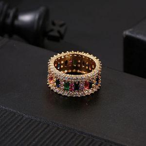 El oro del anillo de bodas Mujeres Hombres 6-9 chapado en oro del arco iris del anillo del amor micro pavimentado 7 colores de la flor joyería de los pares regalo
