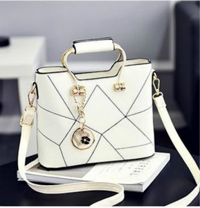 Designer Female Bag 2020 New Fashion Female Stereotypes Sweet Fashion Female Bag Slung Shoulder Bag C0PY