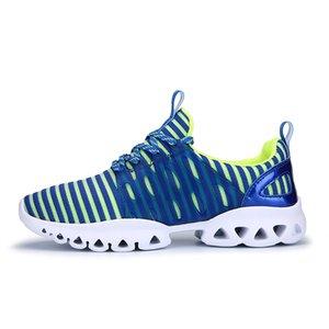 La venta caliente-En la primavera de 2017 zapatos casuales de los hombres de la tendencia de los estudiantes coreanos de malla transpirable amantes del turismo aumentó los zapatos para correr